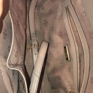 Tory Burch Bags - Tory Burch Robinson Large Double Zip Tote